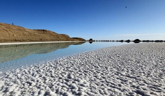 Aguilar盐湖锂生产项目年底开始运营